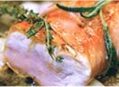 Kalbsrücken in Parmaschinkenmantel mit Polenta, Steinpilzen und Salbeiblütensalz