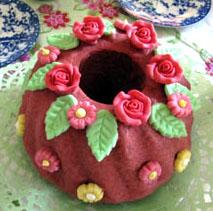 Rosenblütenkuchen mit Rosenblütenzucker